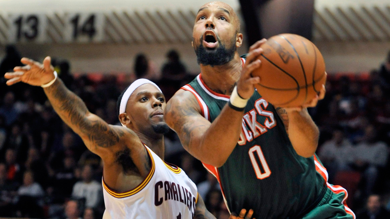 Former NBA player Drew Gooden graduates from University of Kansas