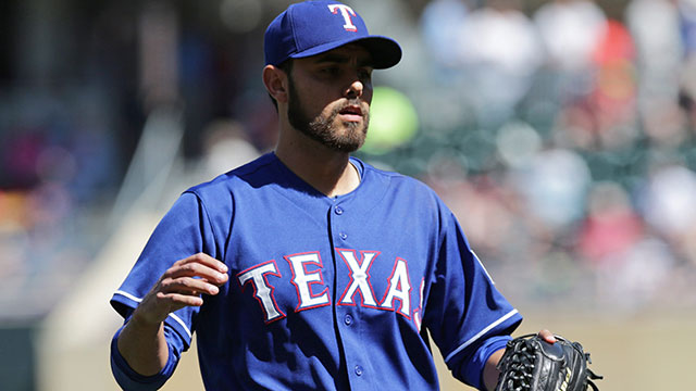 Report: Blue Jays show interest in Rangers' Soria