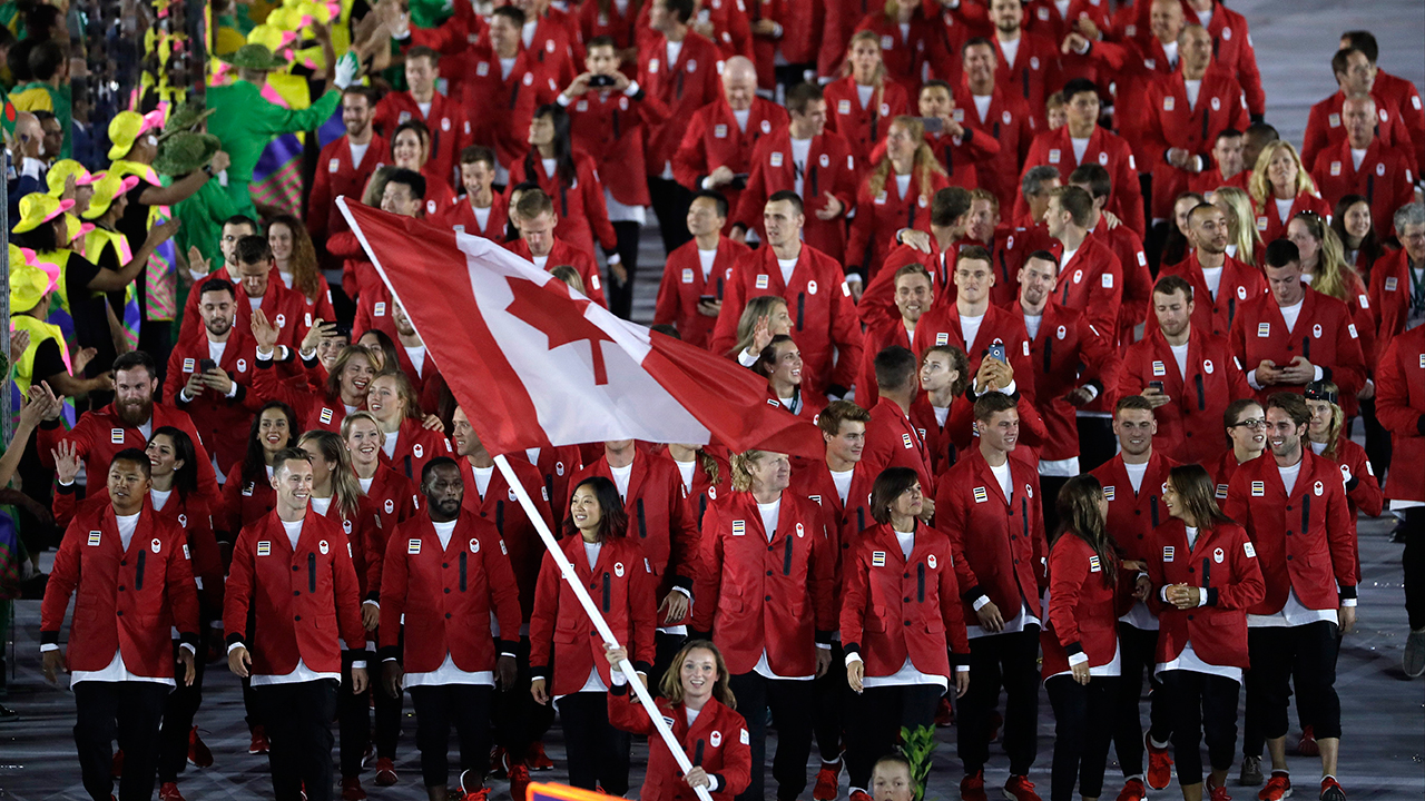 Canada receives warm welcome at Rio 2016 opening ceremony