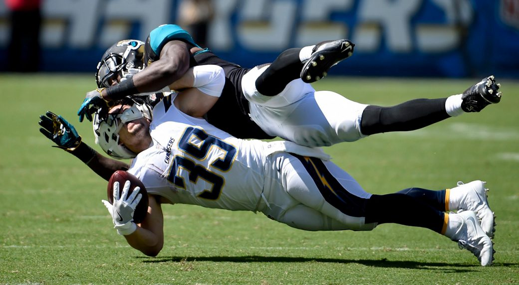 Chargers Woodhead To Miss Rest Of Season With Torn Acl