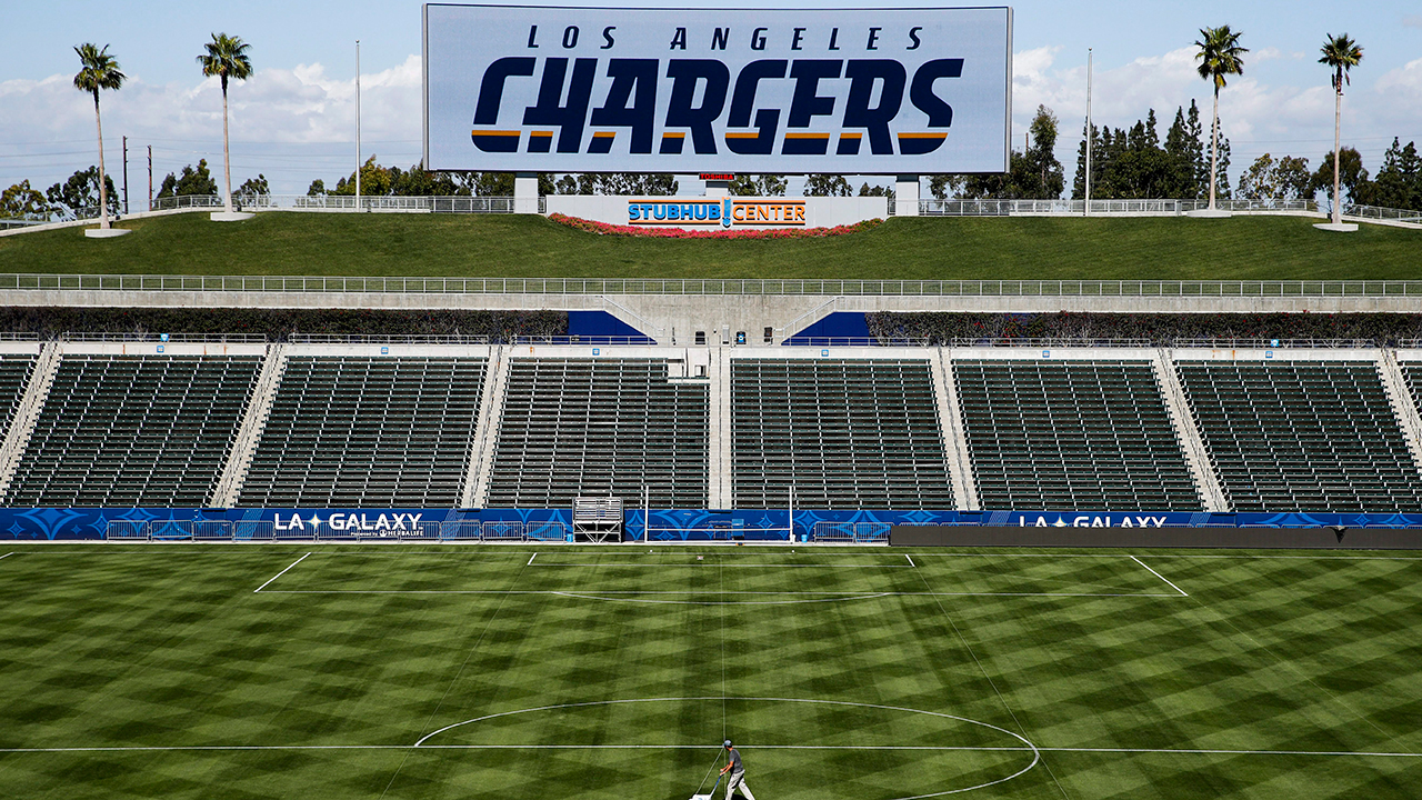 Chargers Sell All Available Season Tickets At Temporary