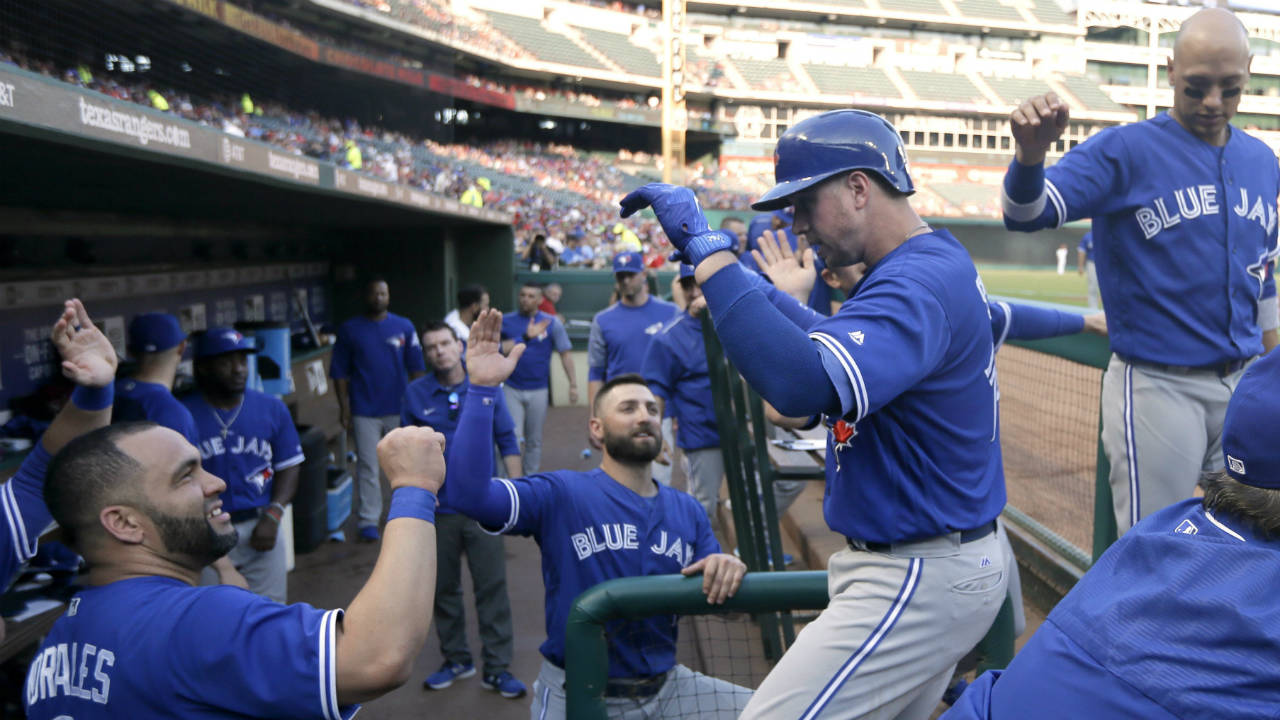 Smoak-and-happy-bunch-of-blue-jays