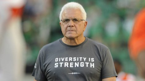 """B.C.-Lions-head-coach-Wally-Buono-sports-a-""""Diversity-is-Strength""""-T-shirt-on-the-sidelines-before-taking-on-the-Saskatchewan-Roughriders-in-CFL-football-action-in-Regina-on-Sunday,-August-13,-2017.-(Mark-Taylor/CP)"""