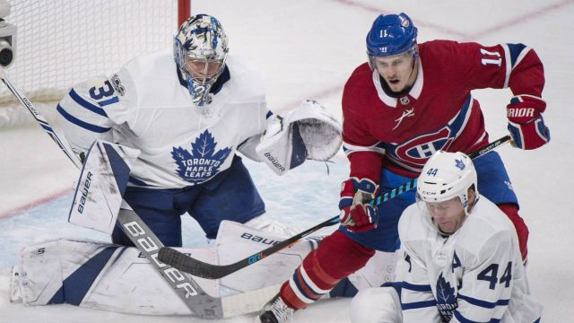 Montreal-Canadiens'-Brendan-Gallagher-(11)-moves-in-on-Toronto-Maple-Leafs-goalie-Frederik-Andersen-as-Leafs'-Morgan-Rielly-(44)-defends-during-third-period-NHL-hockey-action-in-Montreal,-Saturday,-October-14,-2017.-(Graham-Hughes/CP)