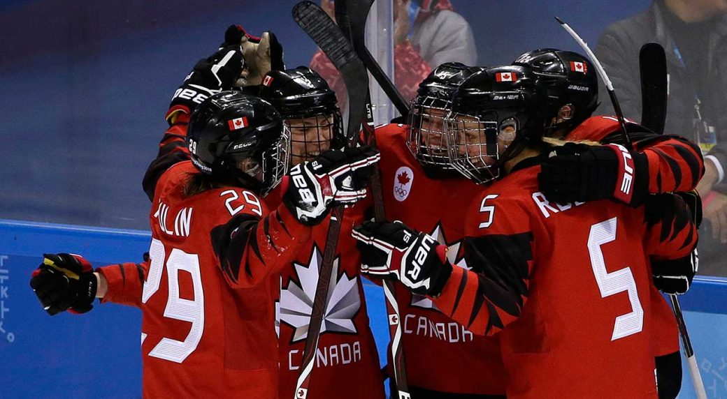 Canada women stretch Olympic hockey win streak to 21 games