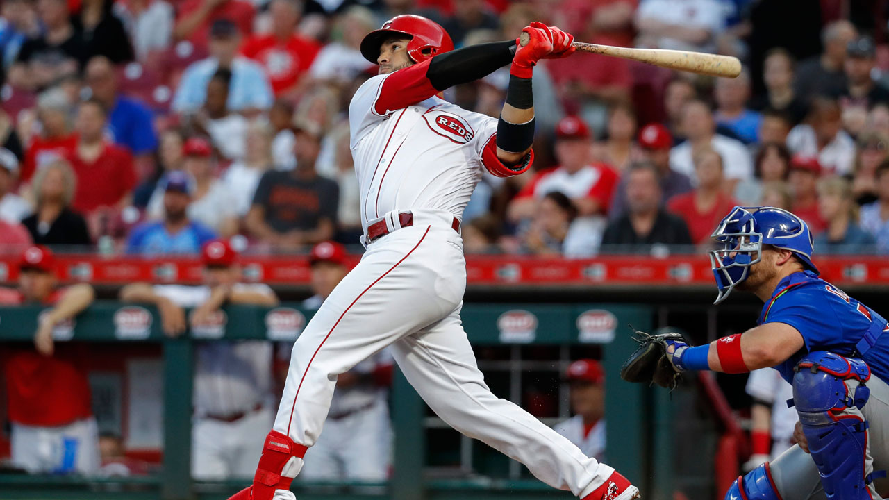 Cincinnati-reds-eugenio-suarez-hits-home-run