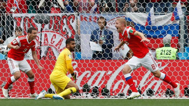 yuri-gazinsky-scores-for-russia-at-world-cup