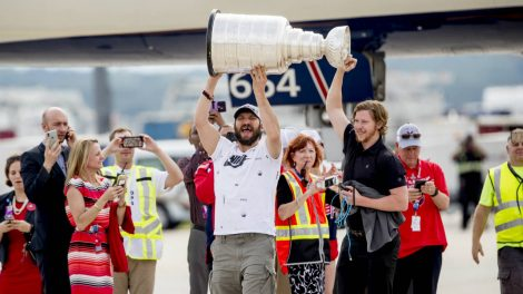 Ovechkin-backstrom-cup-470x264