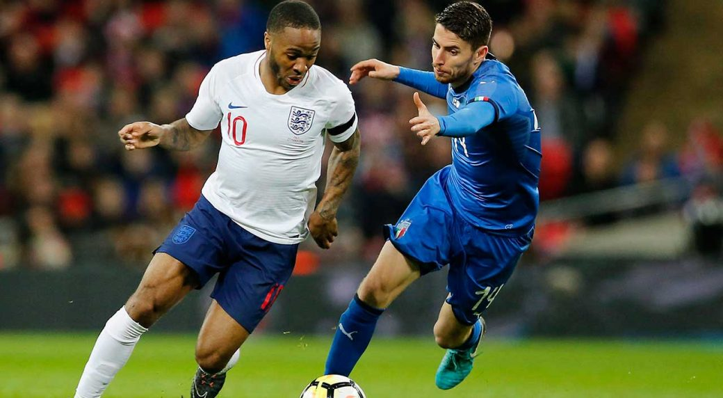 Raheem Sterling makes apology to England squad after late return