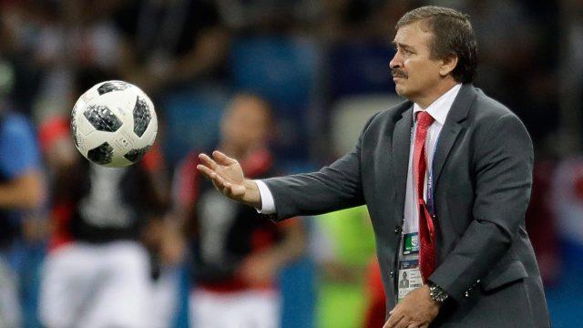 costa-rica-head-coach-oscar-ramirez
