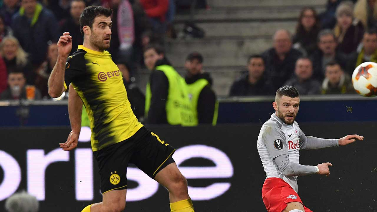 Greece defender Sokratis leaves Dortmund for Arsenal