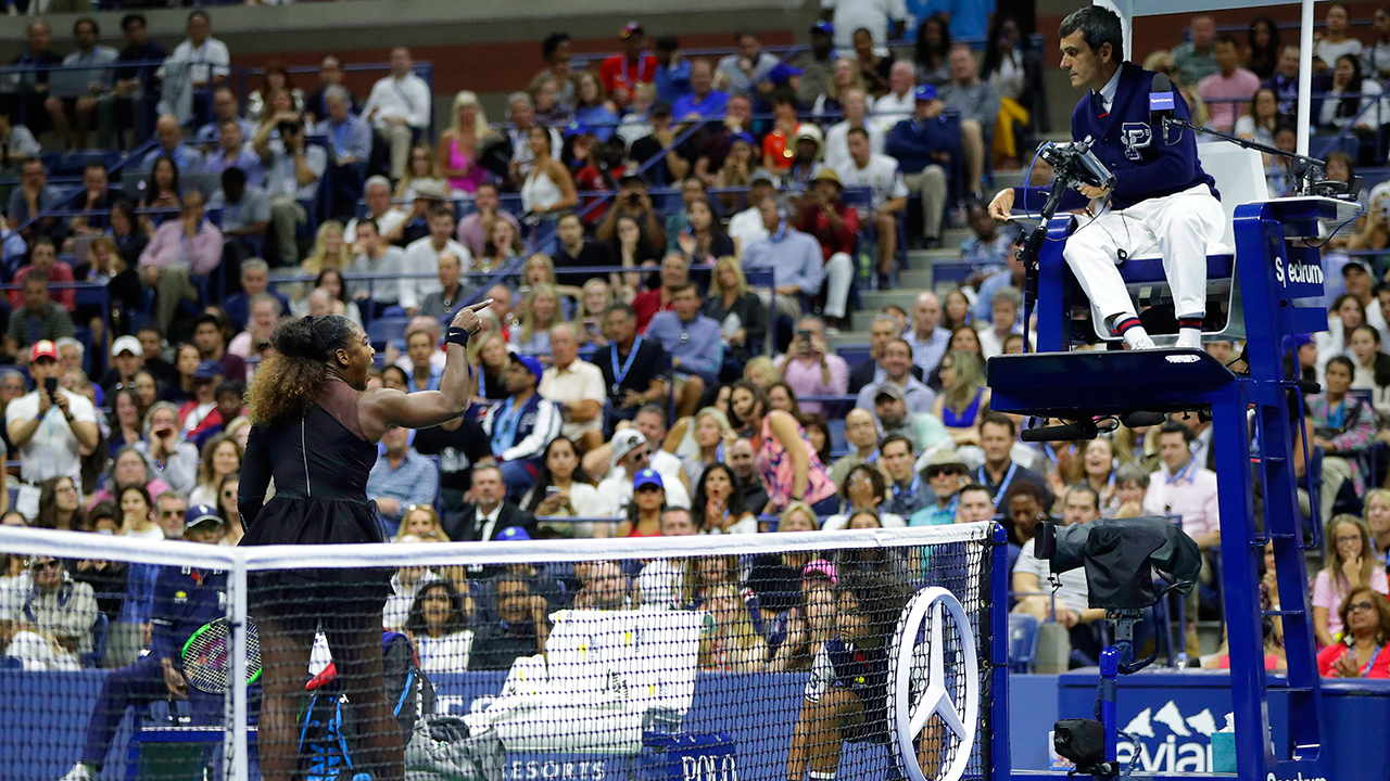 serena-williams-talks-with-chair-umpire-during-us-final
