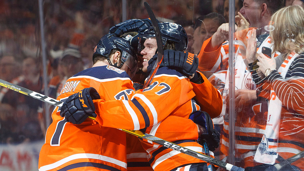 Connor_mcdavid_celebrates_the_winning_goal