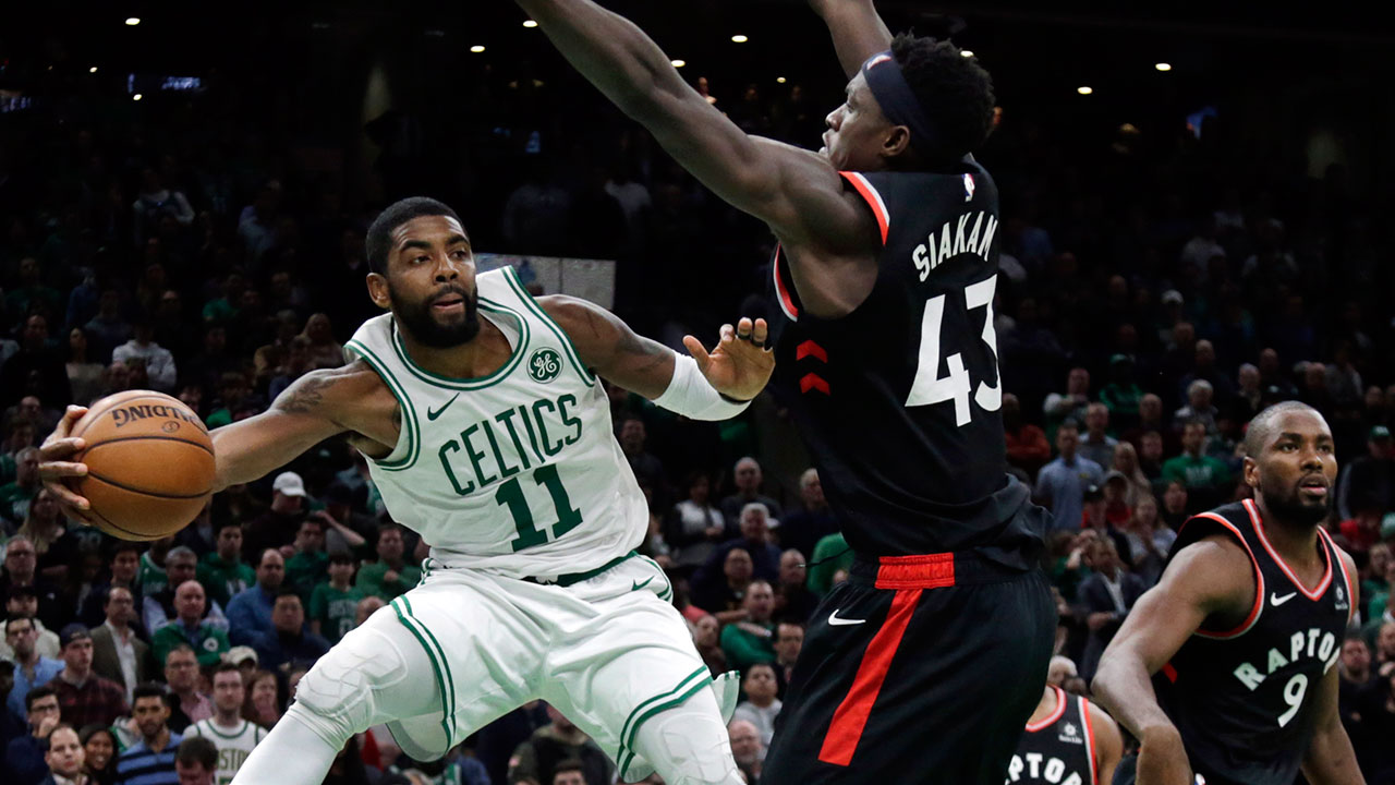 Kyrie-irving-looks-to-make-a-pass