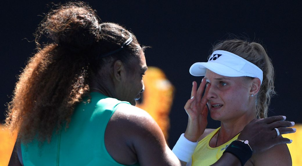Simona Halep sets up fourth round against Serena after dismissing Venus Williams