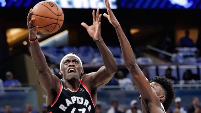 91d7cab3d05 Siakam shoulders load as Raptors rise to challenge vs. Magic in Game 3