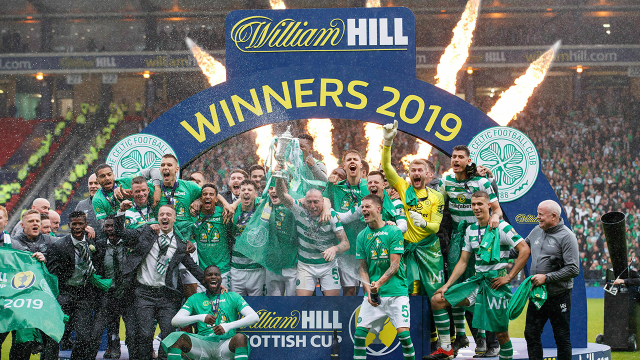 Celtic-celebrate-winning-scottish-cup-final