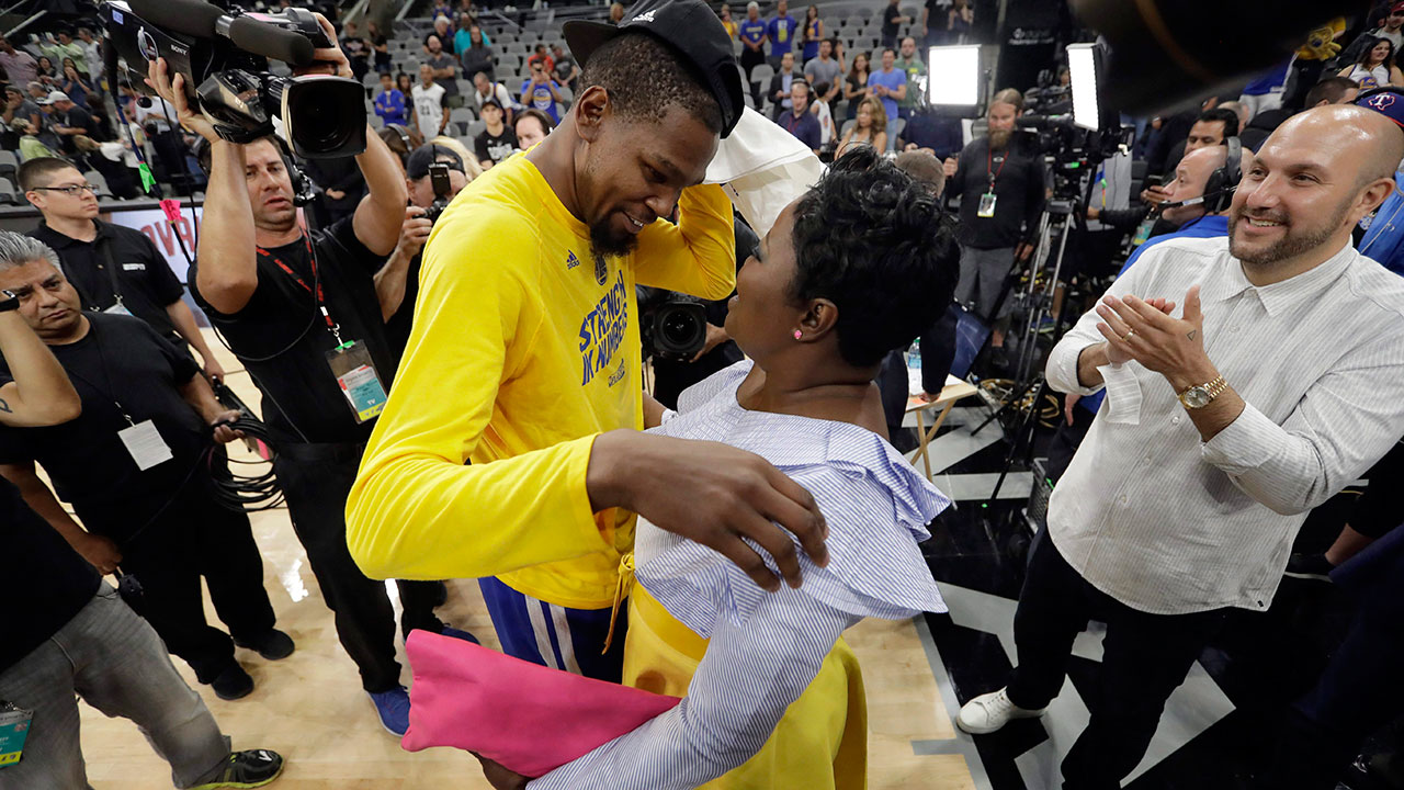 size 40 68735 c60c4 Mom of Warriors' Durant opens up about Raptors fans, son's injury ...